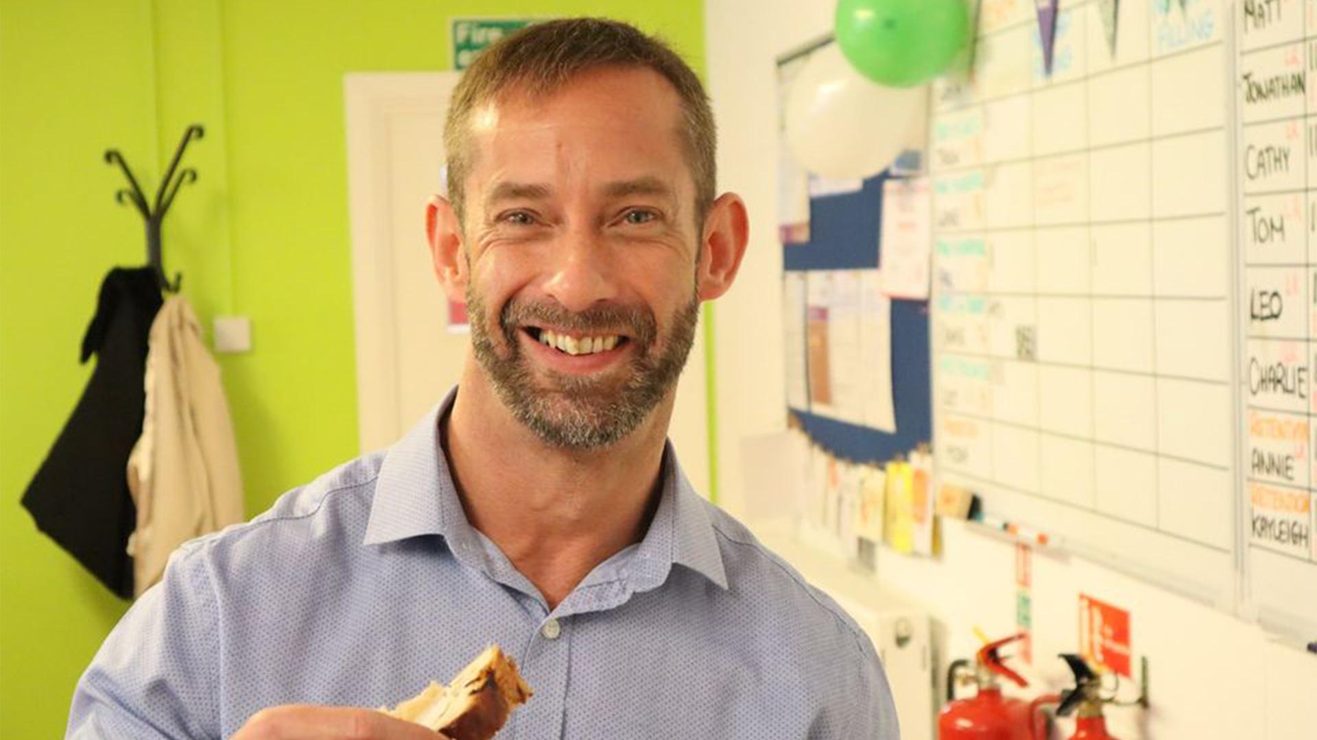 Chris Enjoying Some Cake | Hullmoneyman
